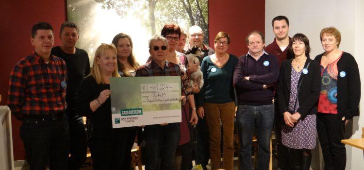 Overhandiging cheque aan Belgisch Centrum voor Geleidehonden
