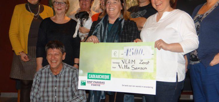 Overhandiging cheque aan Villa Samson